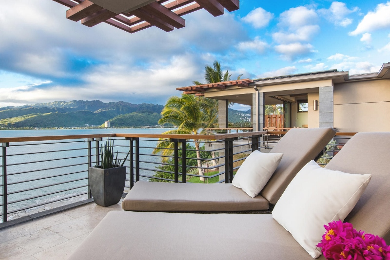 34-ocean-estate_bedroom-2-lanai-view-800x534