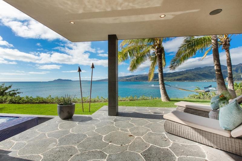40-ocean-estate_bedroom-3-lanai-800x533