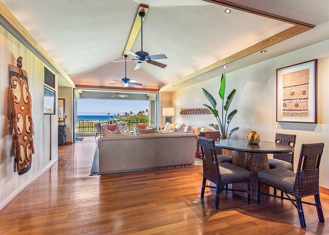 9-oceanview-villa-4202_dining-casual1
