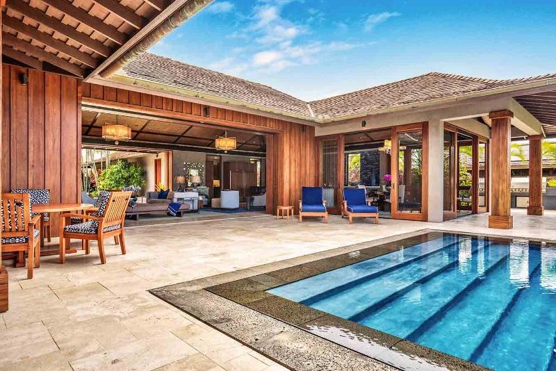 11-kahua-estate_lanai-pool1-800x534