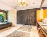 24-kahua-estate_master-bath2-800x534