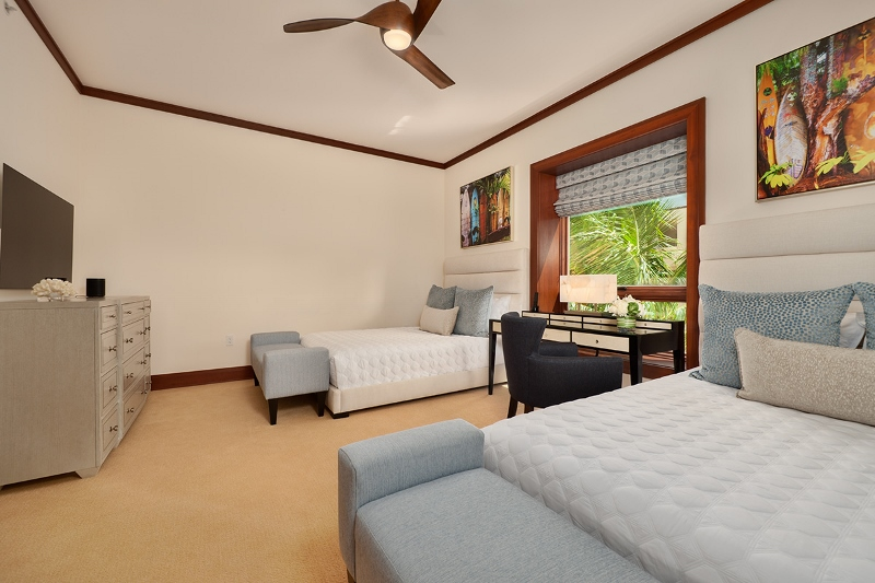27-pacificpearl5401_bedroom3-800x533