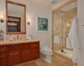 28-pacificpearl5401_bedroom3-bath-800x533