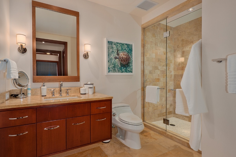 28-pacificpearl5401_bedroom3-bath-800x533
