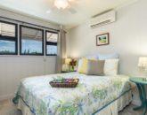 14-island-style-hale_bedroom3-800x533