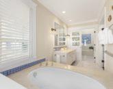 30-mele-manuku_bathroom5-800x533